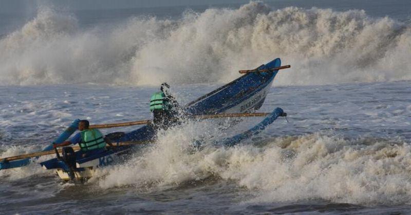 Cuaca Buruk, 11 Orang Terjebak di Pulau Wairundi Teluk Wondama
