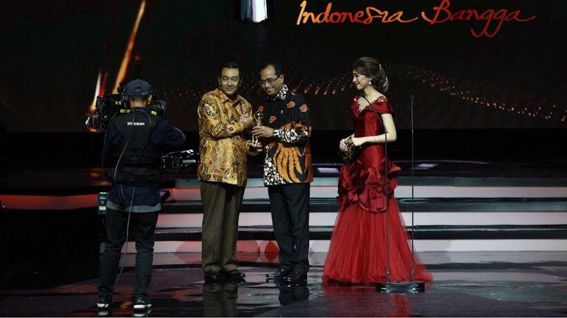 Suprajarto Raih Penghargaan Tokoh Profesional Terbaik Indonesia Awards 2018