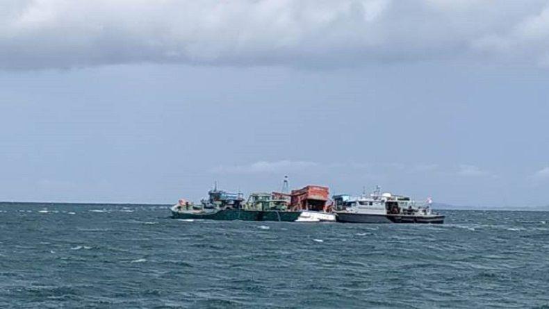 5 Kapal Vietnam Pencuri Ikan Ditenggelamkan di Perairan Batam
