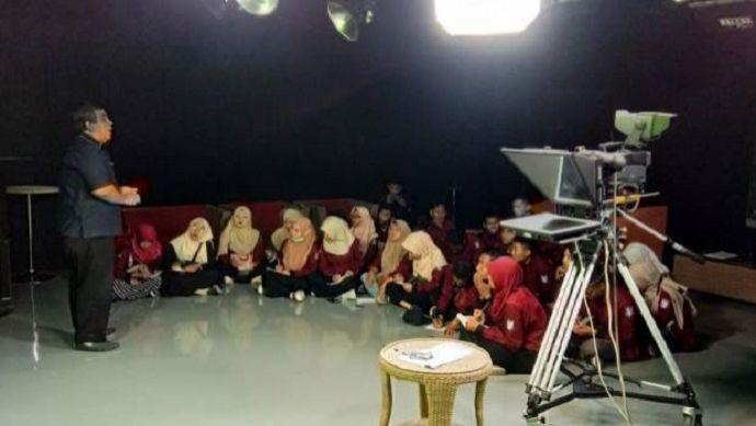 70 Mahasiwa IAIN Jember Belajar Penyiaran di MNC Group Jatim