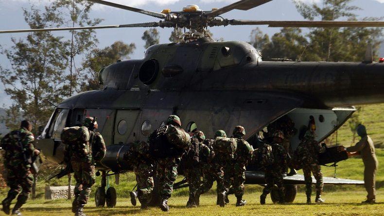 Aparat Gabungan TNI-Polri Buru Penembak 2 Tukang Ojek di Intan Jaya
