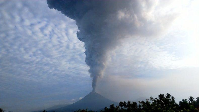 Aktivitas Gunung Soputan Masih Terus Berlangsung