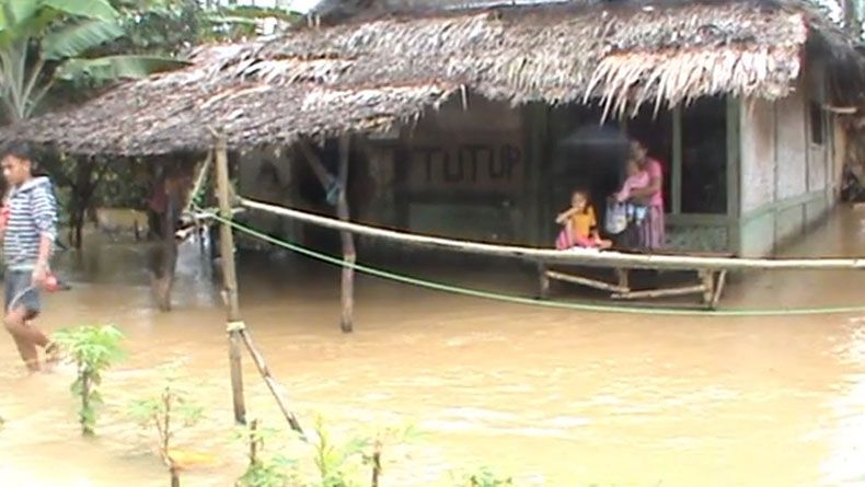 Sepekan Banjir, Ratusan Warga di Pandeglang Luput dari Bantuan Makanan