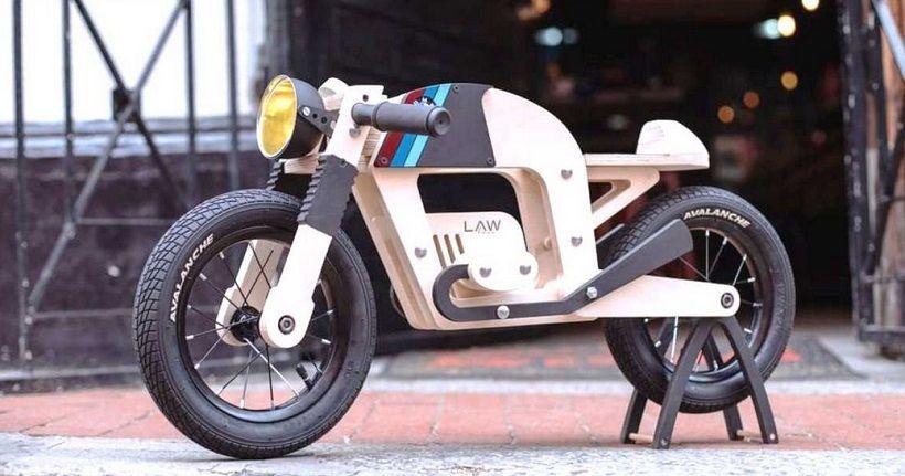 Unik Pria Afrika Selatan Bangun Sepeda Motor Anak Dari Kayu