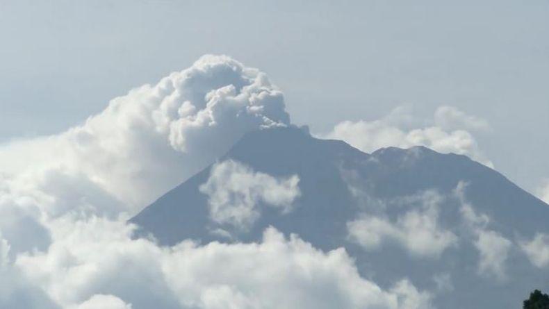 Warga Sitaro Diminta Waspadai Luncuran Awan Panas Gunung Karangetang