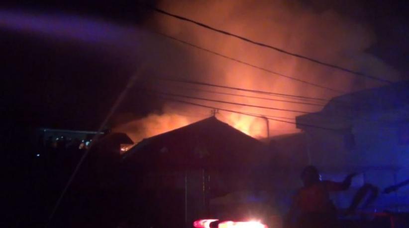 20 Rumah di Kawasan Padat Penduduk di Samarinda Ludes Terbakar