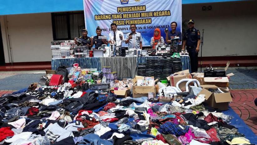 Ratusan Barang Impor hingga Sex Toys Dimusnahkan Bea Cukai Yogyakarta