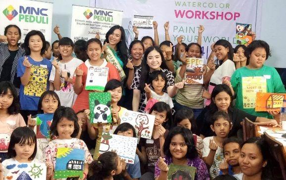 Jessica Tanoesoedibjo dan Miss Indonesia 2018 Gelar Workshop Painting