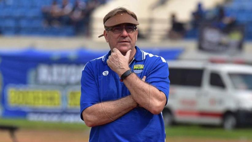 Pelatih Persib Bandung Antusias Sambut New Normal