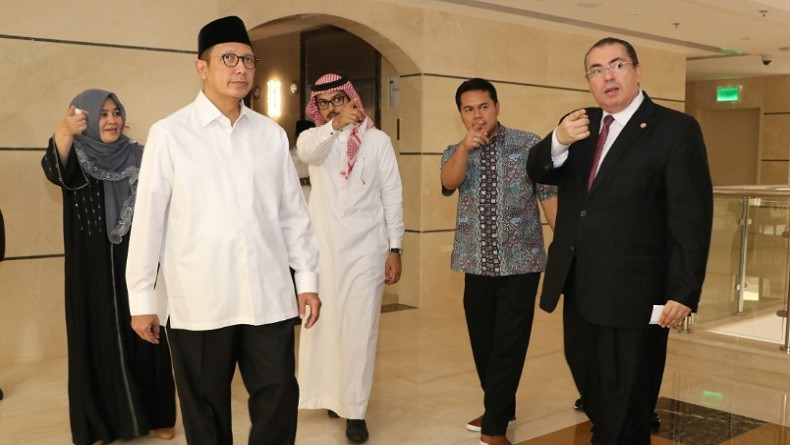 Menag Cek Kesiapan Hotel dan Dapur Katering untuk Jamaah Haji di Madinah