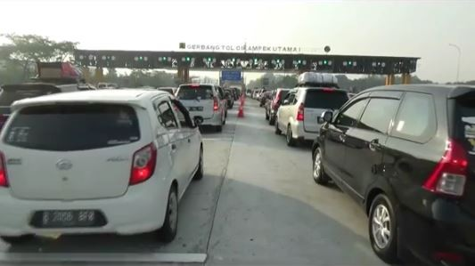 Tol Cikampek Utama Macet Panjang Minggu Pagi, Jasa Marga Berlakukan One Way