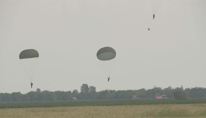 Penerjun Payung Kanada Tewas saat Latihan Militer di Bulgaria, 2 Tentara AS Luka