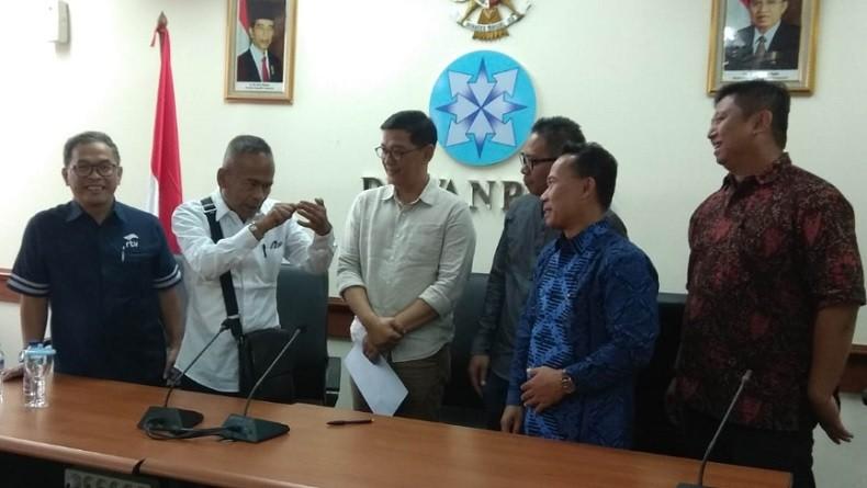 Calon Komisioner KPI Tanda Tangani Pakta Integritas IJTI