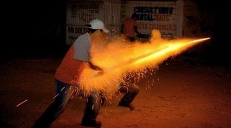Perempuan Tewas Setelah Petasan Nyasar Masuk ke Mulutnya di Pesta Kembang Api