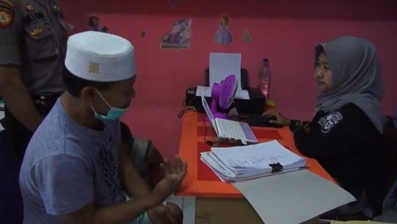 Iming-imingi Uang Rp5 Ribu, Guru Mengaji di Madina Sumut Cabuli Muridnya