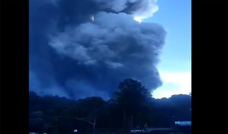 Gunung Tangkuban Parahu Erupsi, Muntahkan Abu Setinggi 200 Meter