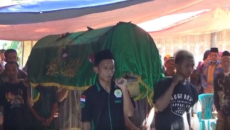 Suasana Duka Iringi Pemakaman 3 Pekerja Perbaikan Kapal Tongkang di Boyolali