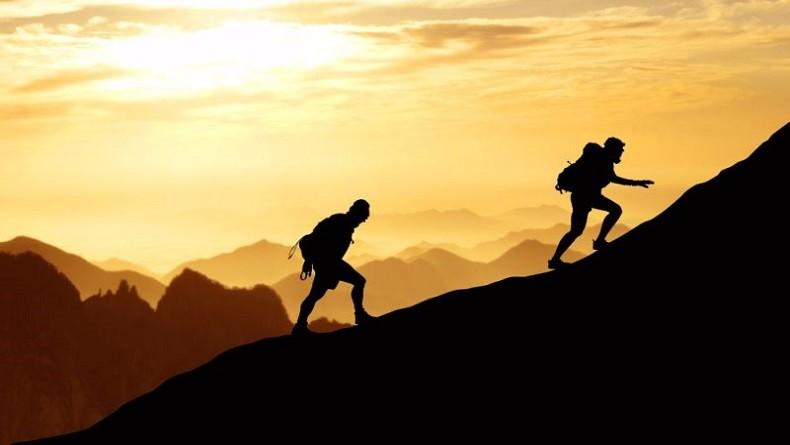 Diduga Kena Serangan Jantung, Seorang Pendaki Meninggal di Gunung Prau
