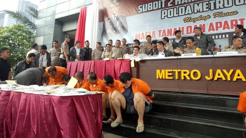 Polda Metro Jaya Tangkap Sindikat Mafia Tanah Peraup Miliaran Rupiah