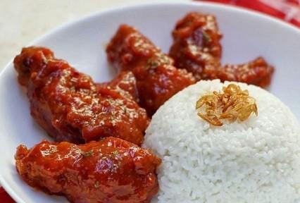 Lezatnya Spicy Chicken Wings ala Restoran, Rasanya Pedas Bikin Ketagihan