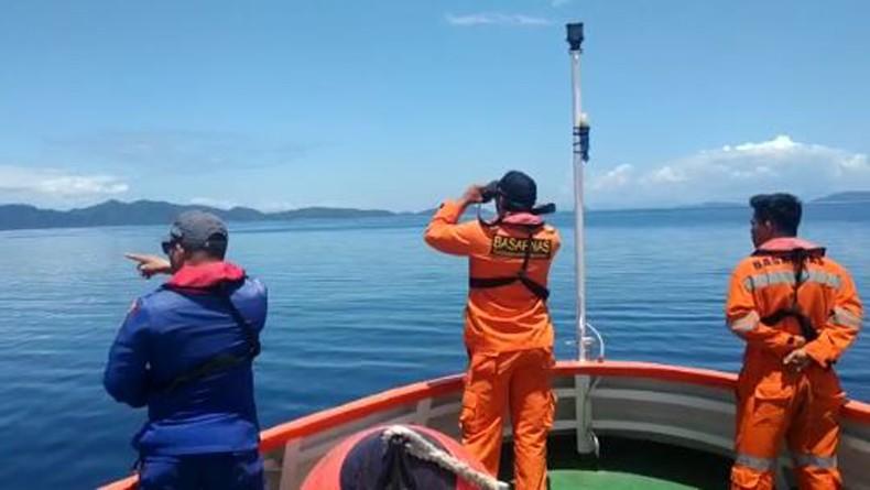Terbakar di Laut Jawa, Kapal Bahari Indonesia Angkut Kendaraan dan 26 Orang