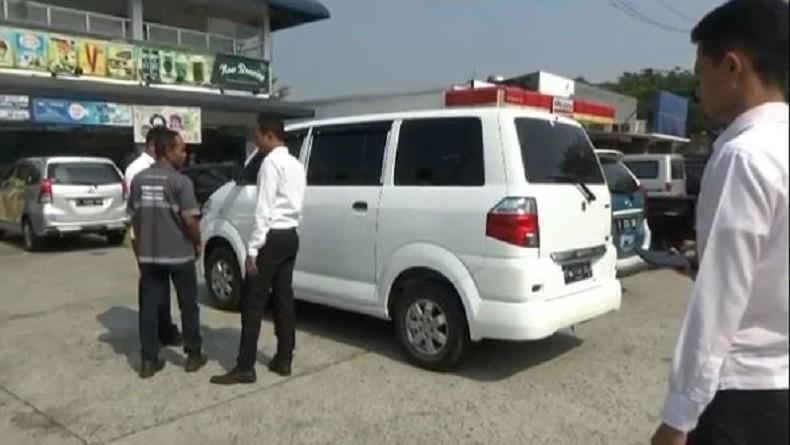 Mobil Dibobol di Rest Area Tol Purbaleunyi, 3 Tas Berisi Barang Berharga Raib