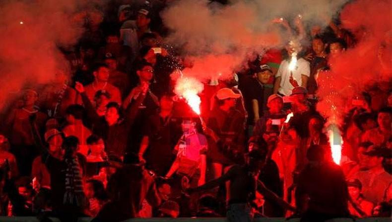 Suara Letusan Suar di Stadion Chandrabagha Bekasi, Kapolres: Petugas Lalai