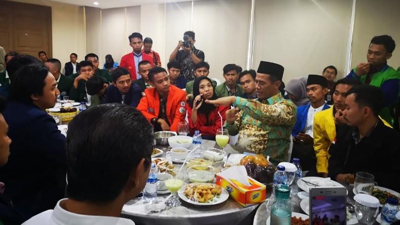 Mentan Amran Santap Siang Bareng Perwakilan BEM Pertanian se-Indonesia