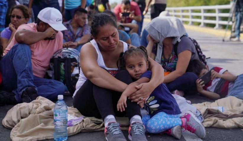 Imigran Pencari Suaka Kini Berkemah di Jembatan Menuju Texas AS