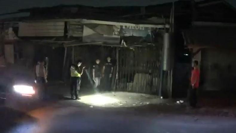 Kesal Dimintai Uang, Pedagang Buah Tusuk Anggota Ormas 4 Tikaman hingga Tewas di Bekasi