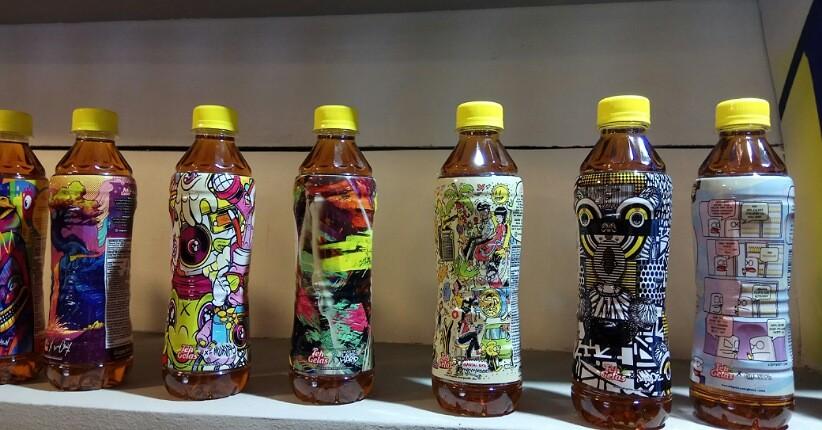 Dukung Industri Kreatif, Minuman Botol Ini Terlihat Unik dengan Desain Komik