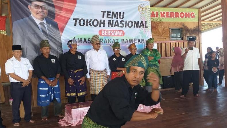 Pulang Kampung, Wakil Ketua MPR Jazilul Fawaid Disambut Pendekar Silat Bawean