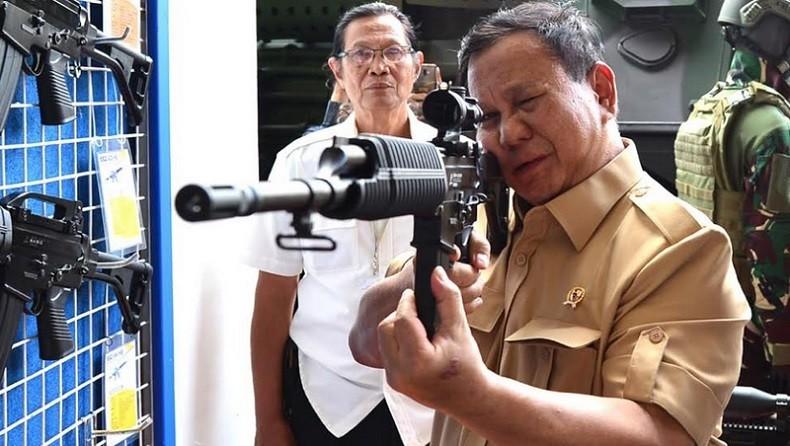 Hadiri Pameran Alutsista, Menhan Prabowo Bangga dengan Industri Pertahanan Dalam Negeri
