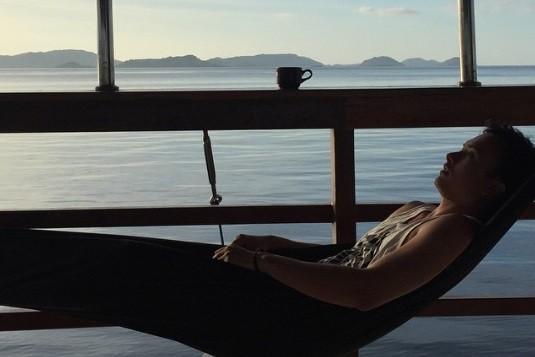 Tips Travelling Seru dan Tidak Membosankan ala Nicholas Saputra