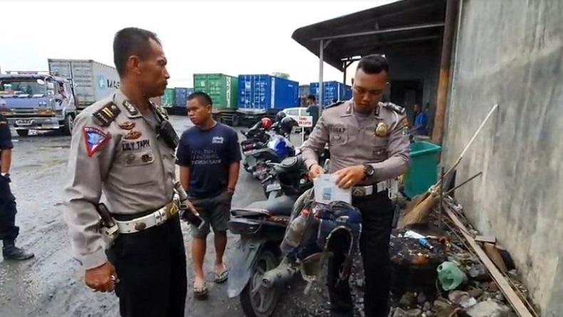 Tragis, Siswa Kelas 3 SD Tewas Ditabrak Truk Kontainer di Medan saat Jalan Pulang Sekolah