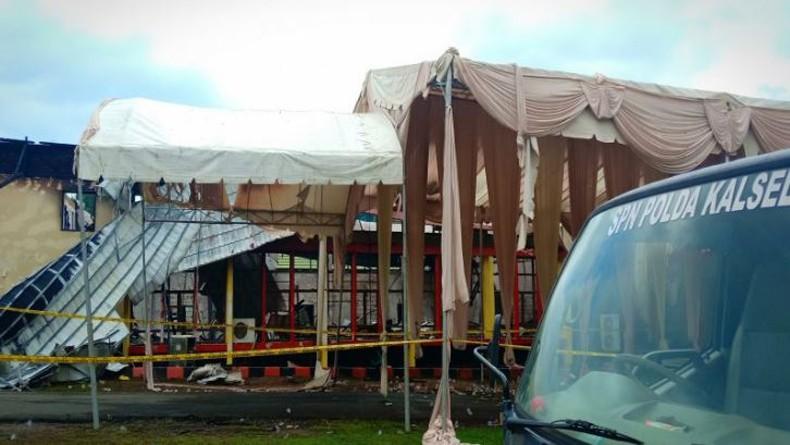 Aula SPN Polda Kalbar Terbakar saat Resepsi Pernikahan, Mempelai dan Tamu Berhamburan