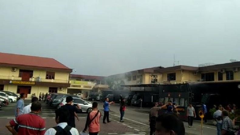 Ledakan Diduga Bom Bunuh Diri Guncang Polrestabes Medan