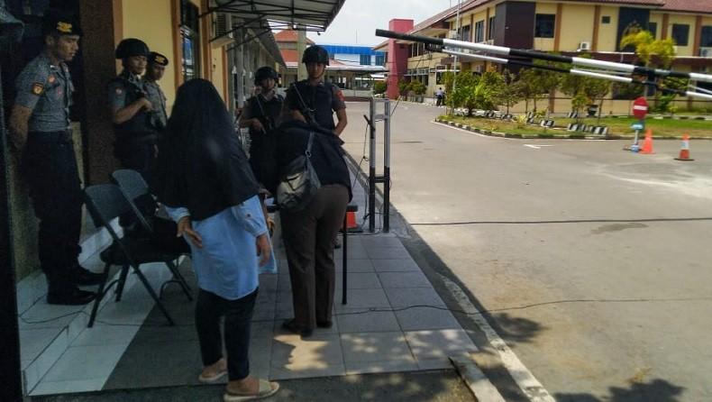 Pascabom Medan, Polres Kulonprogo Tingkatkan Pengamanan Terhadap Tamu yang Keluar Masuk