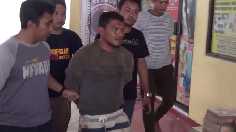 Pria Mengamuk di Masjid di Pinrang Sulsel, Lalu Sandera dan Tikam Anak 11 Tahun