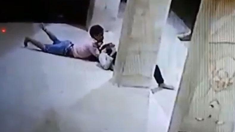 Sepasang Remaja di Probolinggo Tertangkap CCTV Berbuat Mesum di Masjid