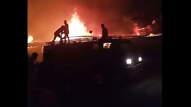Kebakaran di Pasar TPO Tanjung Balai, Ratusan Kios Pakaian Bekas Dilalap Api