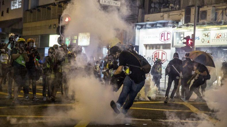 Trump Teken UU Dukung Demonstrasi Hong Kong, China: AS Harus Tanggung Konsekuensinya