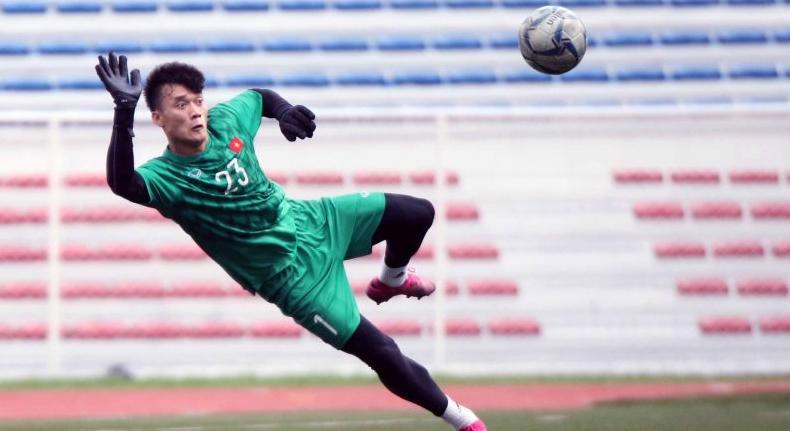 Kiper Vietnam U-23 Mudah Beradaptasi dengan Rumput Buatan di Stadion Rizal Memorial