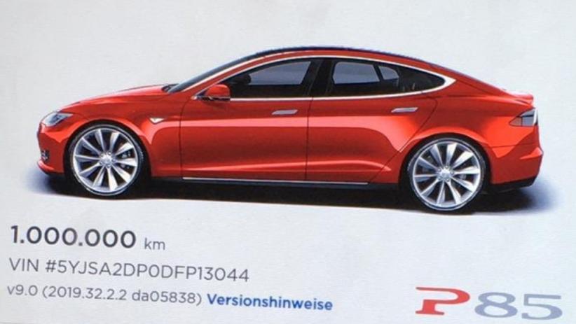 Mobil Listrik Tesla Model S P85 Cetak Rekor Jarak Tempuh Tertinggi Di Dunia 1 Juta Km