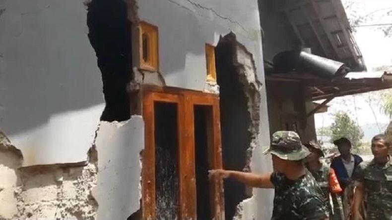 Talud Penahan Tebing Longsor akibat Hujan Deras, Sejumlah Rumah di Purbalingga Rusak Parah