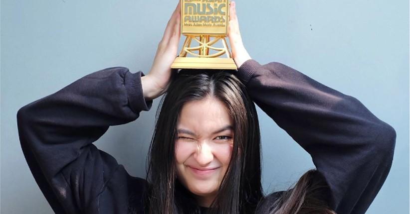 Stephanie Poetri Raih MAMA 2019, Titi DJ Bangga