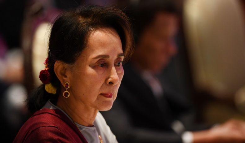 Aung San Suu Kyi Akhirnya Muncul di Pengadilan
