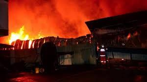 Kebakaran Landa Pabrik Plastik di Bangladesh, 13 Orang Tewas