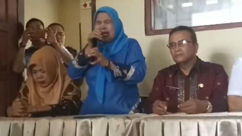 Guru Pengedit Soal Ujian yang Diduga Lecehkan Nabi Muhammad di Solok Menangis Minta Maaf