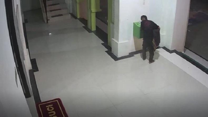 Polisi Tangkap 2 Remaja di Pangkalpinang Pencuri Kotak Amal Masjid, Uang Sumbangan Dipakai Main Game Online